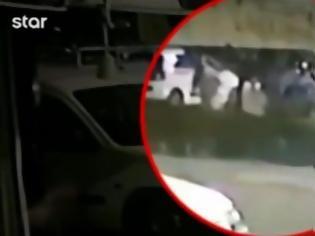 Φωτογραφία για Δείτε βίντεο-ντοκουμέντο με το «κτήνος» που πέταξε το μωρό σε κάδο απορριμάτων στην Πετρούπολη