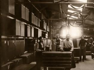Φωτογραφία για Louis Vuitton: Ο οραματιστής που έχτισε μία αυτοκρατορία επειδή κατάλαβε ότι το παν στη ζωή είναι το ταξίδι