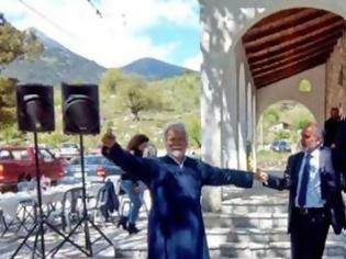 """Φωτογραφία για """"Καλό ταξίδι φίλε…"""" Το συγκινητικό μήνυμα του Απόστολου Κατσιφάρα για τον ιερέα Νικόλαο Τακτικό"""