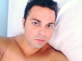 Φωτογραφία για Παίρνει εξιτήριο o Ηλίας Βρεττός - Σηκώθηκε από το κρεβάτι του «πόνου»  και εύχεται «καλό μήνα» (ΦΩΤΟ)
