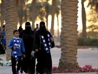 Φωτογραφία για Σαουδική Αραβία: Ιστορική πορεία 2.500 γυναικών για την Παγκόσμια Ημέρα της Γυναίκας