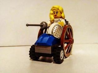 Φωτογραφία για Η Κέλλυ Λουφάκη (ξανά) έγινε φιγούρα LEGO