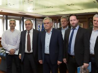 Φωτογραφία για Συνάντηση Τόσκα με αντιπροσωπεία του Επαγγελματικού Επιμελητηρίου για την αστυνόμευση στο κέντρο της Αθήνας