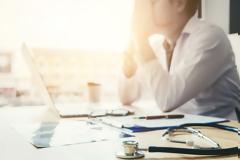 Με σύνδρομο επαγγελματικής εξουθένωσης το 42% των γιατρών της Θεσσαλονίκης