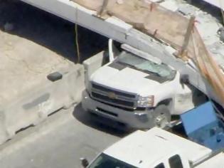 Φωτογραφία για ΗΠΑ: Κατέρρευσε πεζογέφυρα στο Πανεπιστήμιο του Μαϊάμι