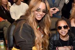 Blue Ivy: Η κόρη της Beyonce αγόρασε ένα έργο τέχνης για 10.000 δολάρια σε δημοπρασία! #Radio #grxpress  #survivorGR