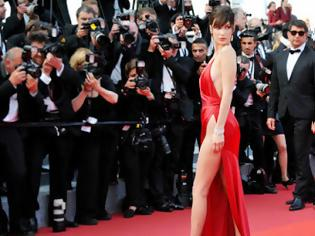 Φωτογραφία για Το φόρεμα που λατρεύουν όλα τα μοντέλα