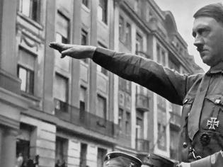 Φωτογραφία για Μήνυση κατά εκδοτικού οίκου για βιβλία που εξυμνούν τον Χίτλερ