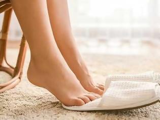 Φωτογραφία για Γιατί πρέπει να περπατάμε πιο συχνά ξυπόλυτοι
