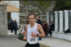 Πρώτος ο ανθυπαστυνόμος Δημήτρης Δριτσάκος σε αγώνα δρόμου στο Μεσολόγγι (φωτογραφίες)