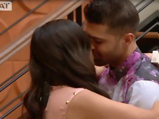 Φωτογραφία για Power Of Love: 'Ελιωσε ο Σωκράτης με την επιστροφή της Κυριακής - Το πρώτο φιλί και... [video]