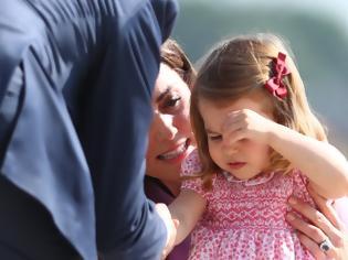 Φωτογραφία για Πριγκίπισσα Σάρλοτ: Πώς η κόρη του πρίγκιπα Ουίλιαμ θα αλλάξει την ιστορία της βρετανικής μοναρχίας