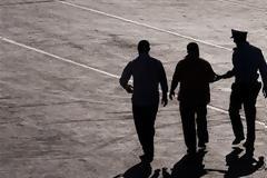 Αγρίνιο: Πατέρας, γιος και ακόμη ένας 24χρονος αποπειράθηκαν να κλέψουν μέταλλα από εγκαταλελειμμένο εργοστάσιο και συνελήφθησαν