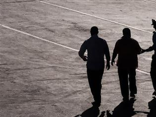 Φωτογραφία για Αγρίνιο: Πατέρας, γιος και ακόμη ένας 24χρονος αποπειράθηκαν να κλέψουν μέταλλα από εγκαταλελειμμένο εργοστάσιο και συνελήφθησαν
