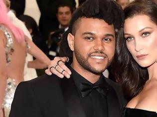 Φωτογραφία για Bella Hadid: Ποζάρει topless και απαντάει στις φήμες που την θέλουν και πάλι ζευγάρι με τον The Weeknd
