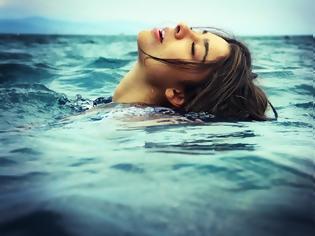 Φωτογραφία για Θαλασσινό νερό: Η θετική του επίδραση στην υγεία του οργανισμού μας!