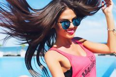 Οι μύθοι που πρέπει να σταματήσεις να πιστεύεις για τα βαμμένα μαλλιά