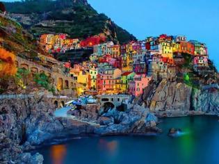 Φωτογραφία για 7 παραμυθένιες πόλεις χτισμένες πάνω σε βράχια… Ανάμεσα τους και μια ελληνική που ξεχωρίζει