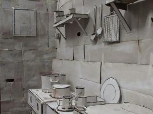Φωτογραφία για Σου φαίνεται για μία φυσιολογική κουζίνα; Δες καλύτερα και θα καταλάβεις γιατί δεν είναι ένα συνηθισμένο σπίτι! [photo]