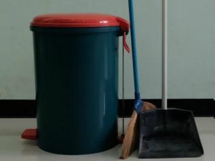 Φωτογραφία για Τρεις λύσεις για να μην μυρίζει ο κάδος των σκουπιδιών σας