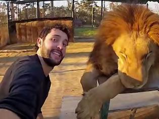 Φωτογραφία για Αυτός ο άντρας ταξίδεψε σε όλο τον κόσμο για να βγάλει μια καταπληκτική selfie 360° [video]