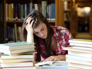 Φωτογραφία για Στo άγχος των εξετάσεων μπορεί να οφείλεται πονοκέφαλος, ταχυκαρδίες, συχνοουρία, θυμός, βήχας, καούρες, πόνος στο στομάχι, αϋπνία