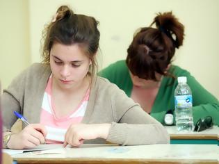 Φωτογραφία για Όσο περισσότερη η ζέστη τόσο χειρότερα γράφουν οι μαθητές στις εξετάσεις