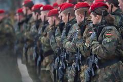 Η Μέρκελ δίνει 273 εκατ. ευρώ για την ανανέωση ρουχισμού στον στρατό