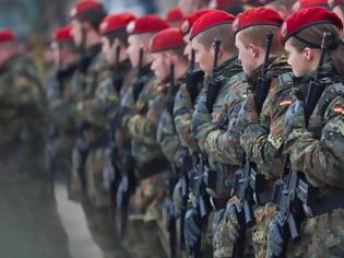 Φωτογραφία για Η Μέρκελ δίνει 273 εκατ. ευρώ για την ανανέωση ρουχισμού στον στρατό