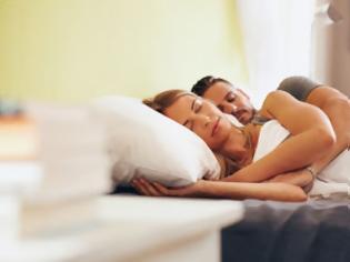 Φωτογραφία για Οι άνδρες που κοιμούνται σε αυτή τη στάση μαζί σου, είναι οι καλύτεροι σύντροφοι