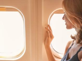 Φωτογραφία για Τα 3 πιο ενοχλητικά πράγματα που μπορεί να κάνεις στο αεροπλάνο σύμφωνα με νέα έρευνα