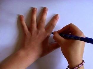 Φωτογραφία για Αρχίζει να ζωγραφίζει το χέρι της με ένα στυλό - Σας μοιάζει βαρετό; Για δείτε το μέχρι το τέλος! [video]
