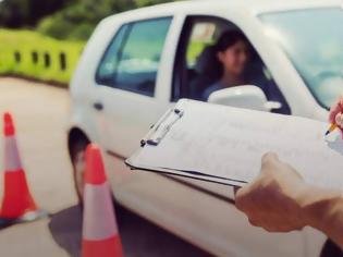 Φωτογραφία για Στερεά Ελλάδα: Κύκλωμα έπαιρνε μίζες για να δίνει διπλώματα οδήγησης - Συνελήφθησαν ιδιοκτήτες σχολών οδηγών και υπάλληλοι της Διεύθυνσης Μεταφορών