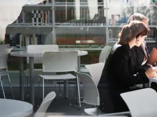 Φωτογραφία για 8 πράγματα που οι έξυπνοι άνθρωποι δεν αποκαλύπτουν ποτέ στη δουλειά
