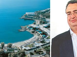 Φωτογραφία για Ξενοδόχος Μαντωνανάκης: Χρωστάει €450 εκατ., ζητάει €100 εκατ. από το κράτος και ο... Φλαμπουράρης «βάζει πλάτη»