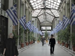 Φωτογραφία για Γιατί δημιουργήθηκαν οι δεκάδες στοές στο κέντρο της Αθήνας