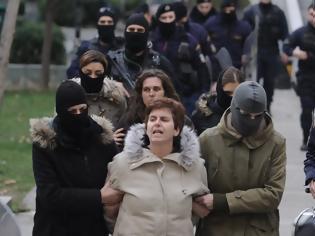 Φωτογραφία για Ισόβια και 25 χρόνια κάθειρξη στην Πόλα Ρούπα για δύο βομβιστικές επιθέσεις