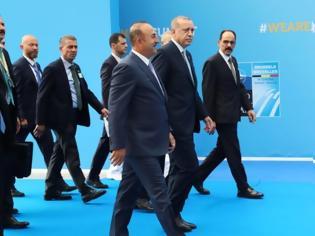 Φωτογραφία για Ηλεκτρισμένο τετ α τετ Καμμένου – Τσαβούσογλου στο ΝΑΤΟ – Σε λίγο η συνάντηση Τσίπρα – Ερντογάν