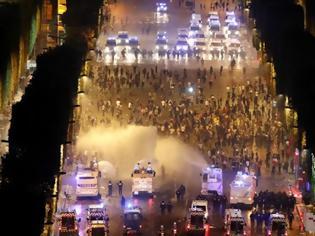 Φωτογραφία για Χάος και επεισόδια στο Παρίσι