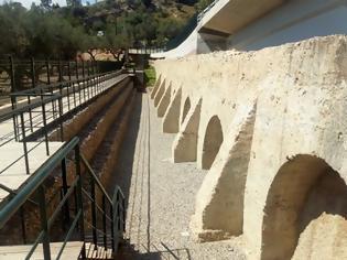 Φωτογραφία για Πάτρα:Αποδόμηση του ημικατεστραμένου μεσαιωνικού υδραγωγείου αποφάσισε η ΕΦΑ