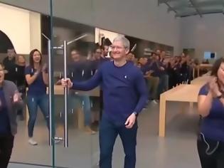 Φωτογραφία για Η πορεία της Apple από τη χρεοκοπία στο $1 τρισ.
