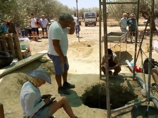 Φωτογραφία για Ιεράπετρα: Υποχώρησε το έδαφος και βρέθηκε μινωικός τάφος!