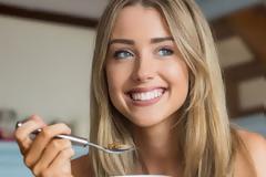 Η τροφή που, αν τη φας για πρωινό, σού κόβει τις λιγούρες μέσα στην ημέρα