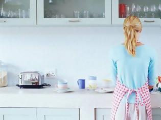 Φωτογραφία για Τρία χρήσιμα αντικείμενα της κουζίνας που… λήγουν