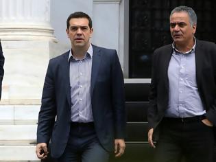 Φωτογραφία για Σε συνεχή επικοινωνία με Υπουργούς ο Αλέξης Τσίπρας για την φωτιά στην Εύβοια