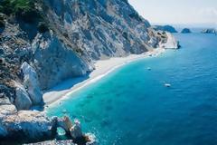 H παραλία που βρίσκεται στην Ελλάδα και έχει τρελάνει τον κόσμο- Τουρίστες έρχονται ακόμα και τον Σεπτέμβρη
