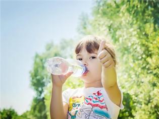 Φωτογραφία για Έτσι θα κάνετε το παιδί να πίνει περισσότερο νερό