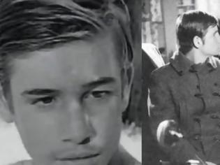 Φωτογραφία για Βαγγέλης Ιωαννίδης: Το παιδί-θαύμα του κινηματογράφου που έπαιξε τον γιο του Κωνσταντάρα στην ταινία Ο στρίγγλος που έγινε αρνάκι - Δείτε τον σε μεγάλη ηλικία [photos+video]