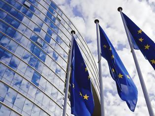 Φωτογραφία για Politico: Έρευνα της Κομισιόν για τα κονδύλια που δόθηκαν στην Ελλάδα