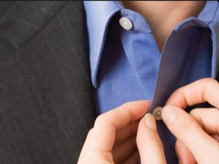 3dc29b54c541 Φωτογραφία για Γιατί τα κουμπιά στα γυναικεία πουκάμισα είναι στην αριστερή  πλευρά ενώ στα ανδρικά στη